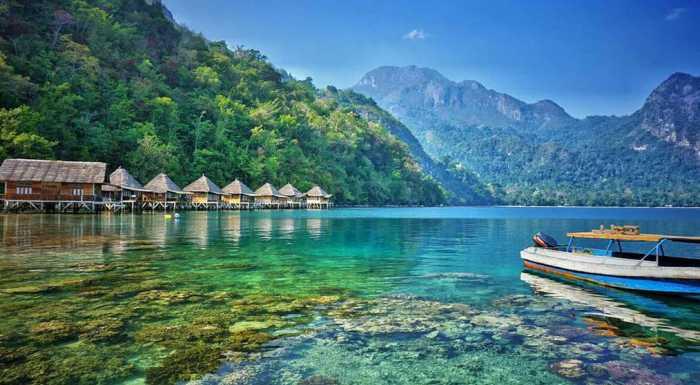 Destinasi Wisata Yang Ada Di Maluku Tengah